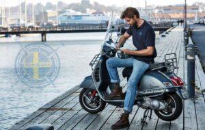 Mitt sjöliv pike kille på moped